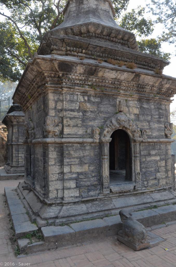 Shiva-Schrein mit Kuh Statue