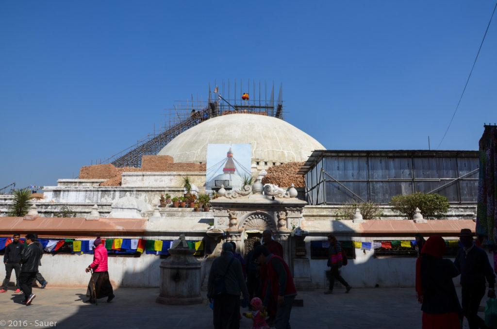 Zerstörte Baudhanath Stupa