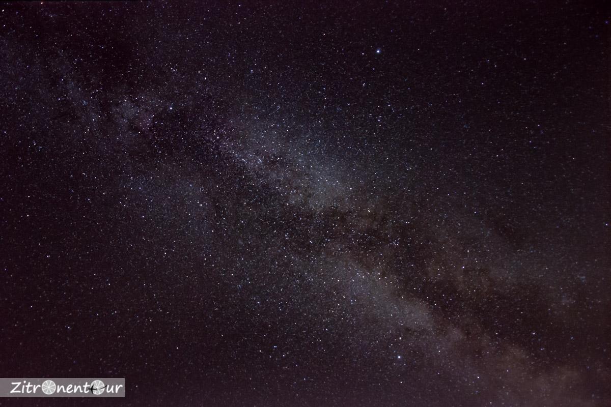 Fertige Deep-Sky- bzw. Astrofotografie der Milchstraße mit Photoshop gestackt und nachbearbeitet.