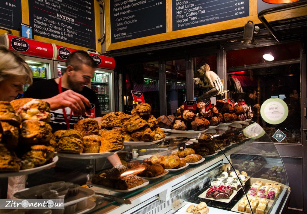Muffins und Scones im Keoghs Cafe