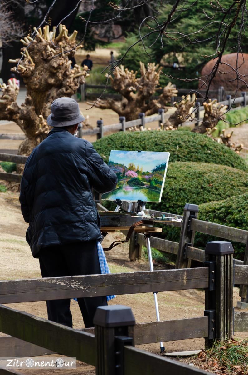 Maler im Shinjuku Gyoen Park